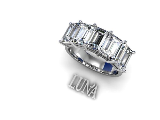 Emerald cut diamonds ring