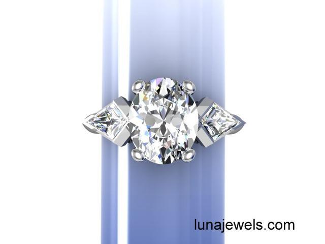 oval diamond with kites